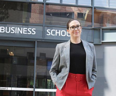 Deakin Business School  - Fast-track pathway for women to Deakin MBA