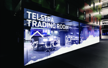 New trading room throws students into the deep end of the foreign exchange market